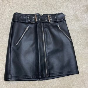 brand new forever 21 leather skirt